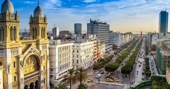 Tuniiis